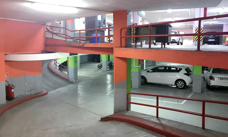 plazas parking lesseps ortolani